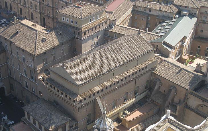 #Conclave: il pavimento della Cappella Sistina preparato per il grande evento
