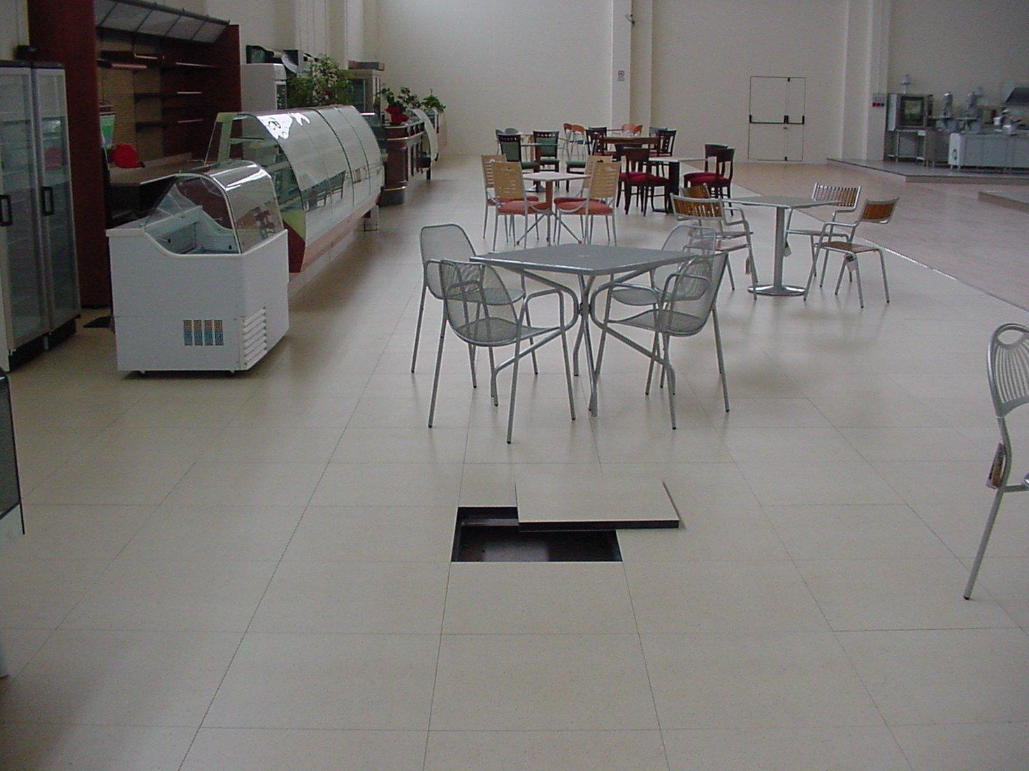 Pavimento con laminato plastico nesite for Pavimento laminato