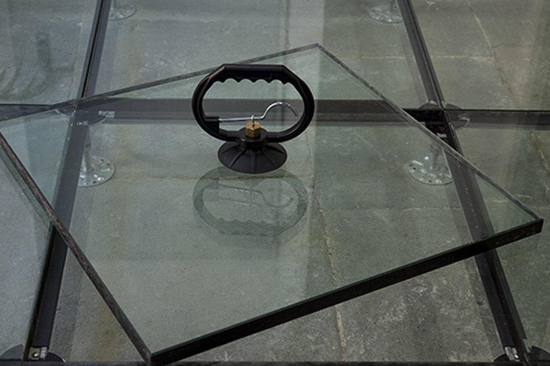 Pavimento in vetro - Nesite
