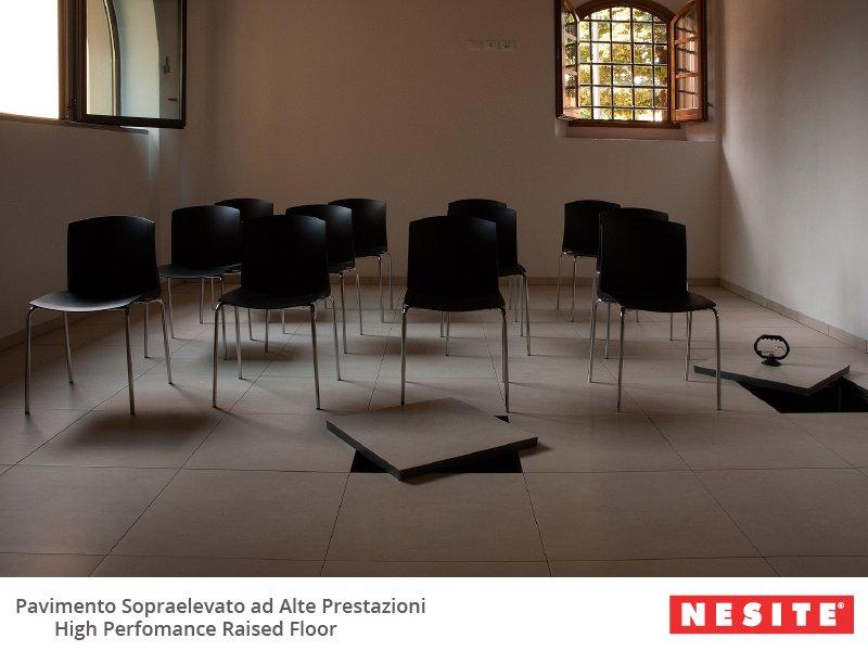 pavimento corso 800x600 Nesite e Scuola Edile di Siena spiegano il pavimento sopraelevato