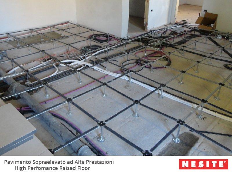 posa corso 800x600 Nesite e Scuola Edile di Siena spiegano il pavimento sopraelevato
