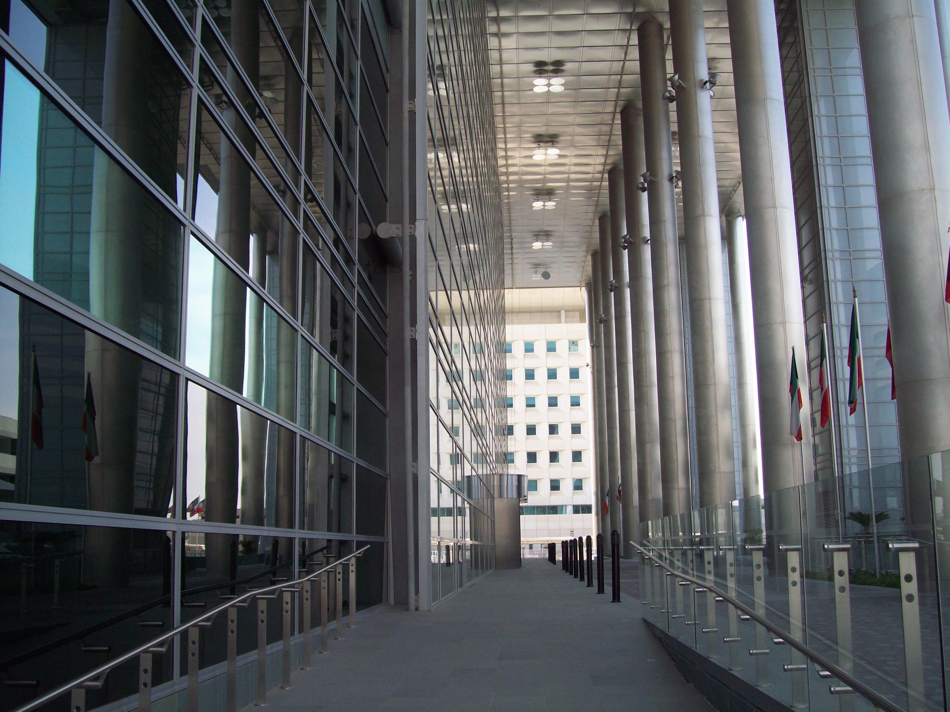 SAB MARMO 001 State Audit Bureau: pavimenti sopraelevati Nesite anche in Kuwait