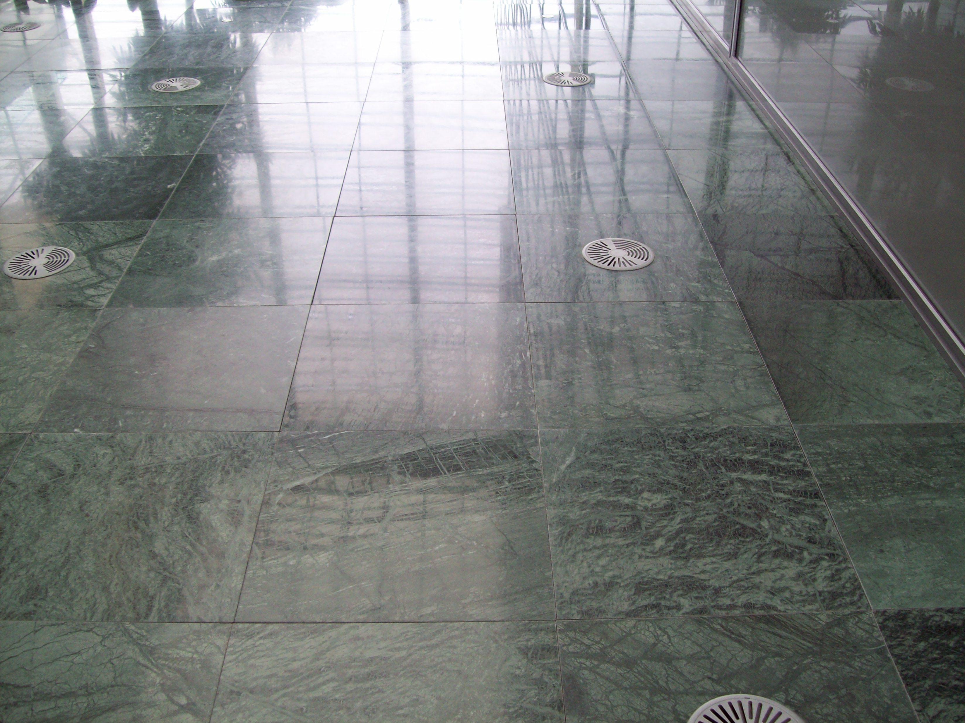 SAB MARMO 003 State Audit Bureau: pavimenti sopraelevati Nesite anche in Kuwait