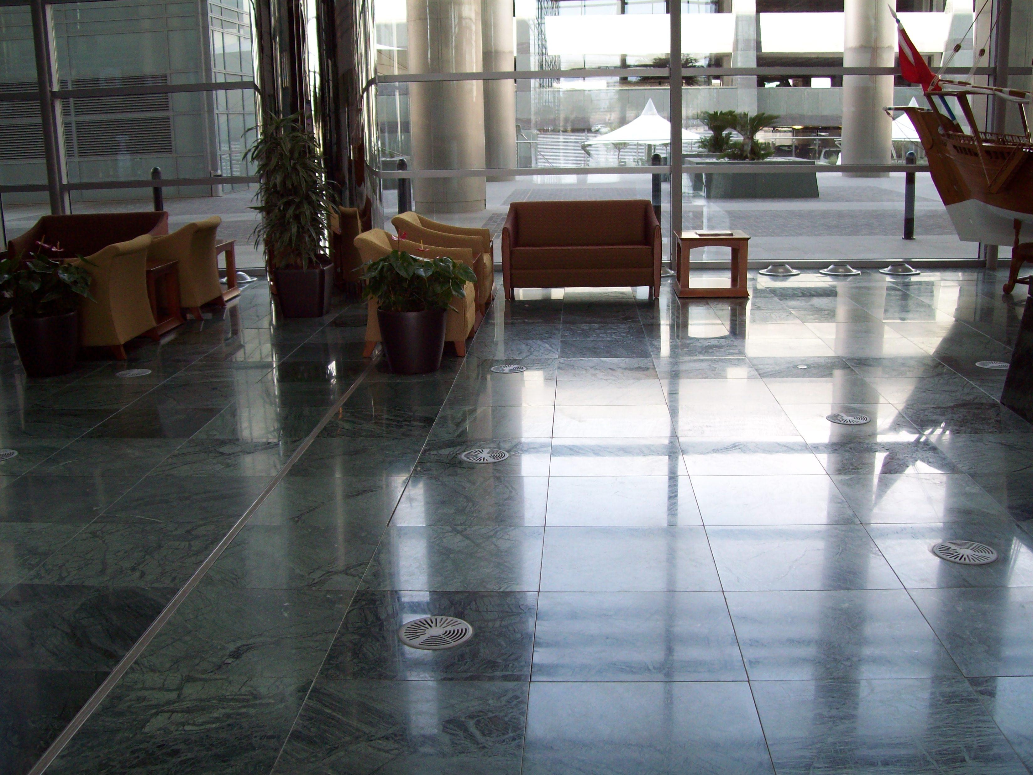 SAB MARMO 007 State Audit Bureau: pavimenti sopraelevati Nesite anche in Kuwait