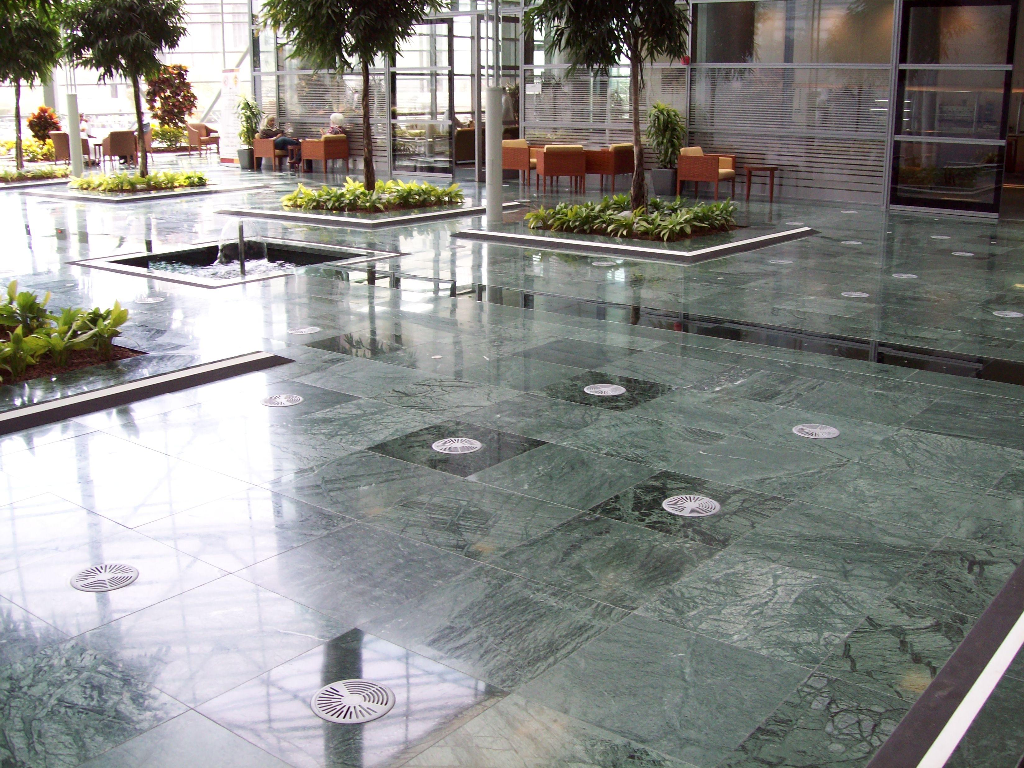 SAB MARMO 013 State Audit Bureau: pavimenti sopraelevati Nesite anche in Kuwait