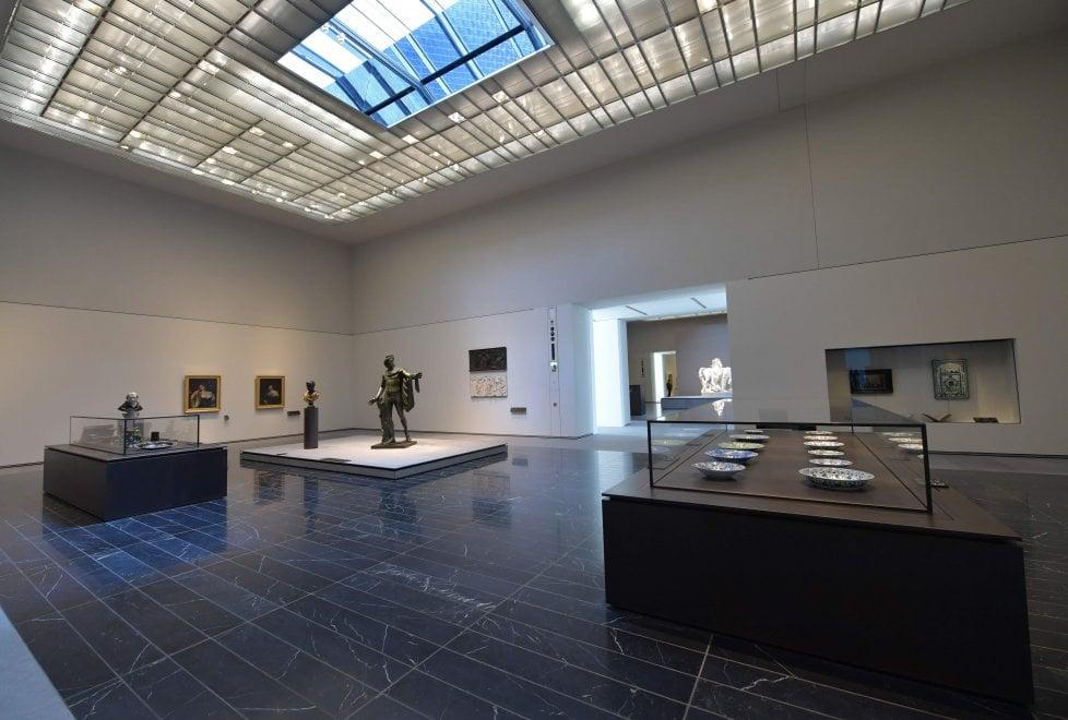G13 black marquina ampia Un progetto molto speciale: il Louvre di Abu Dhabi