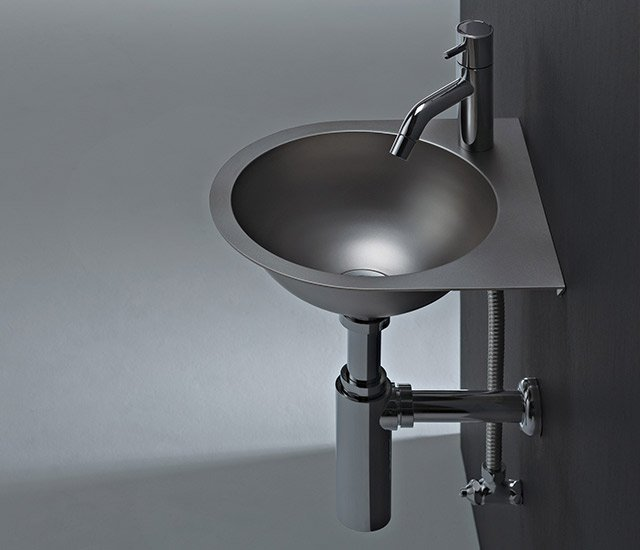 Angolo Flat - lavabo minimal in acciaio by sanwacompany