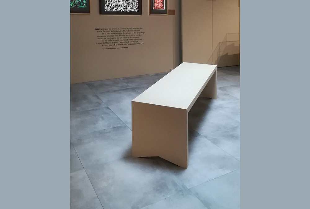 pavimento sopraelevato ceramica - Museé de La Poste Parigi